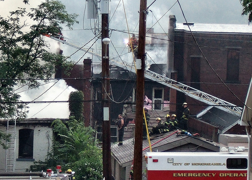 New Eagle ladder truck aerial 20 - 30 minutes before collapse.